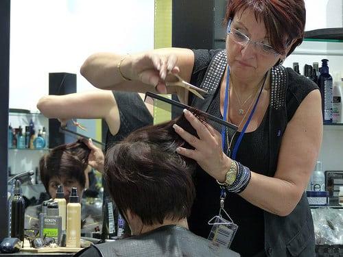 Posté par jlfaurie  sur 2014-11-15 22:24:11      Tagged:  , Hair Punch , Salon , coiffure , massages , prothèses capillaires , Manucure , Patricia , Faurie , Handicap , fauteuil…