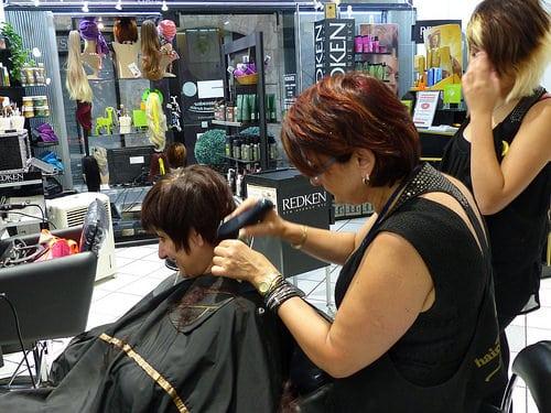 Posté par jlfaurie  sur 2014-11-15 22:24:14      Tagged:  , Hair Punch , Salon , coiffure , massages , prothèses capillaires , Manucure , Patricia , Faurie , Handicap , fauteuil…