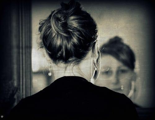 Posté par kate053  sur 2012-03-14 13:02:34      Tagged:  , glace , chignon , coiffure , regard , visage , portrait , cheveux , Kimberlay , Fille , bestofblinkwinners , blinkagain…