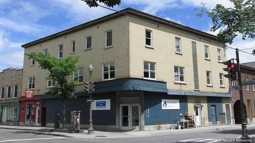 Location : Quebec City (QC – CA)  Posté par Gerard Donnelly  sur 2014-06-22 23:55:27      Tagged:  , école , coiffure   …