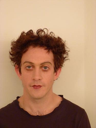 Posté par cecileK  sur 2013-12-22 22:34:52      Tagged:  , maquillage , coiffure , perruque , theatre   …