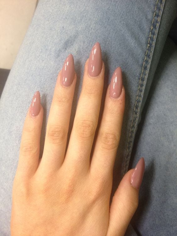 Oval shaped long acrylic pink nails Source by styleestate   …