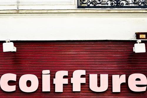 Alésia | Paris 2009  Posté par Guillaume Lemoine  sur 2009-04-04 07:00:41      Tagged:  , Lieu Public , Boutique , Coiffure , Enseigne , Public Place , Shop , 85 mm f/1.4…