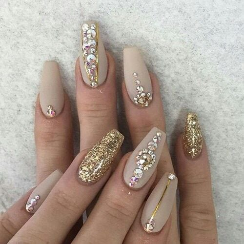 BLING BLING!!! Need tiny stones for nail art? No problem, find tiny, great quality stones for nail art starting here: closeoutjewelryfi…