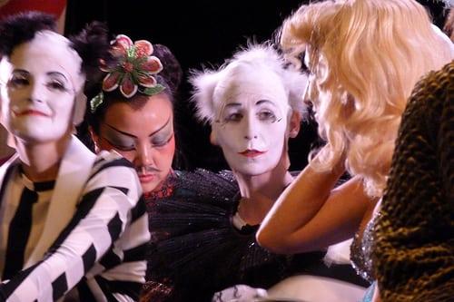 Posté par cecileK  sur 2012-02-08 21:47:55      Tagged:  , maquillage , cirque , coiffure , opera   …