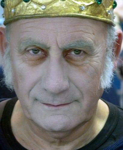 Jacques Vincey   Posté par cecileK  sur 2017-04-13 13:28:55      Tagged:  , theatre , maquillage , coiffures , essayage  [ad_1] [ad_2]…