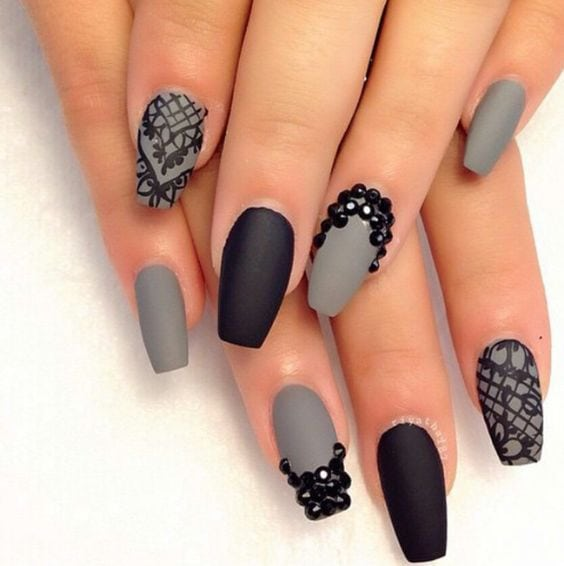 [ad_1]  Gray & Black Rhinestone Matte Nails Source by daystoner [ad_2]  …