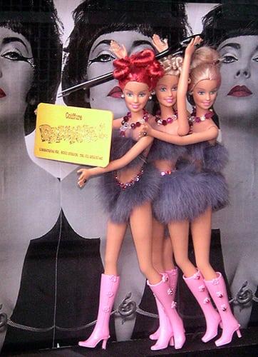 Zurich, Switzerland.  Posté par Bim Bom  sur 2006-01-21 14:13:38      Tagged:  , shopwindow , mannequin , femmes   …