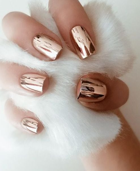 In 2017 a new, much shinier look is taking over. Prepare to see chrome lacquer on all of your friends and across social media feeds. Source by thezoereport   …