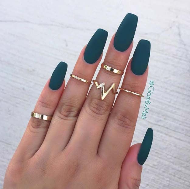 Nail Art Ideas For Coffin Nails – Jaded – Easy, Step-By-Step Design For Coffin Nails, Including Grey, Matte Black, And Great Bling For Instagram Ideas. Includes Everything From Kylie Jenner Ideas To Nailart For Short Nails, Long Nails, And Beautiful…