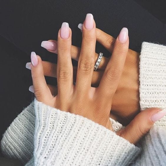 [ad_1]  Pale Pink to White Ombre Source by allen007 [ad_2]  …