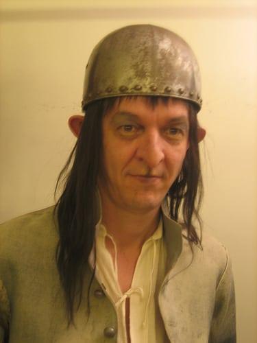 Posté par cecileK  sur 2013-12-20 22:07:24      Tagged:  , maquillage , prothese , coiffure , perruque   …