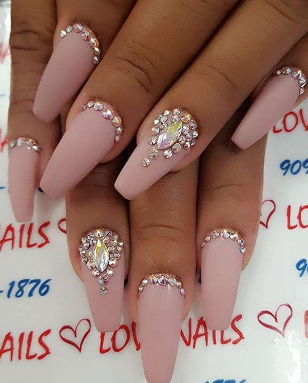 Neutral colors of nails are classic and with it you cna't fail. Source by nenuno   …