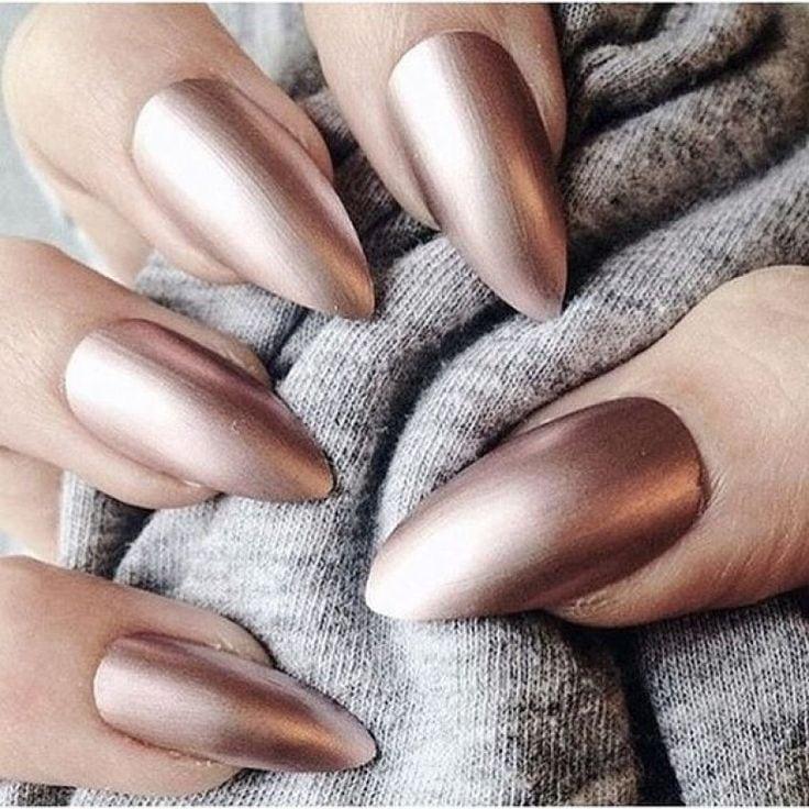 Pourtant habituée à vos couleurs fétiches, vous devez absolument découvrir les couleurs de vernis à ongles tendance cet automne ! Source by dollishcake   …