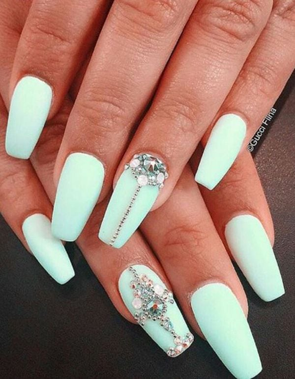 What's the best way to make your matte mint green look even more better? Adding patterns of gold beads and diamonds. Source by Leannelove11   …