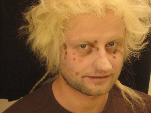 Posté par cecileK  sur 2013-12-20 22:10:01      Tagged:  , maquillage , prothese , coiffure , perruque   …