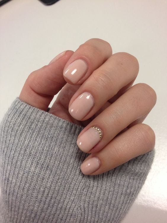 Nude & Glitter Wedding Nails for Brides / www.himisspuff.co… Source by himisspuff   …