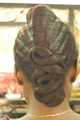 Posté par Manuela Warstat  sur 2011-06-27 13:25:36      Tagged:  , guinee , salon de coiffure   …