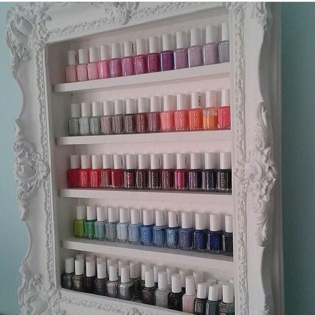For my DIY friends and those who love a beautifully classic look for displaying their essential oils. Source by LotHulsebosch   …