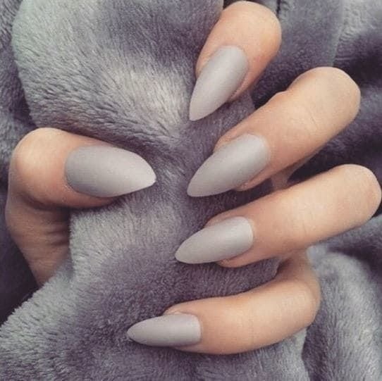 Seriously, gray nails are so underrated! Source by Mad0089   …