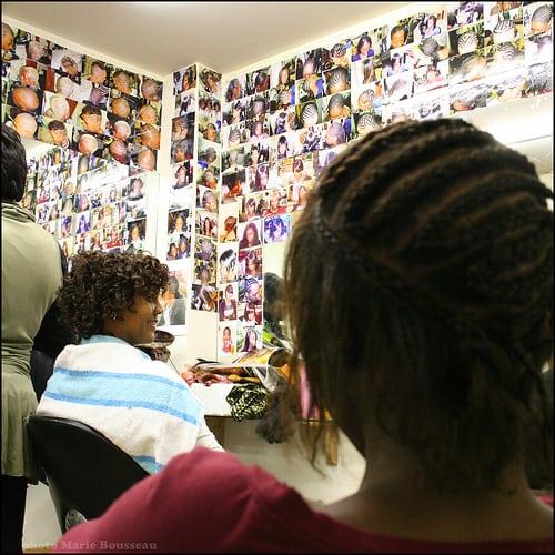 Posté par marie bousseau  sur 2010-05-11 10:17:32      Tagged:  , coiffure , salon , tresses , mèches , afro   …