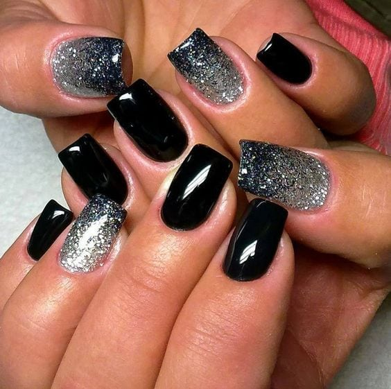Black & Silver | 20 + DIY New Years Eve Nail Art Ideas Source by xfrederiiquee   …