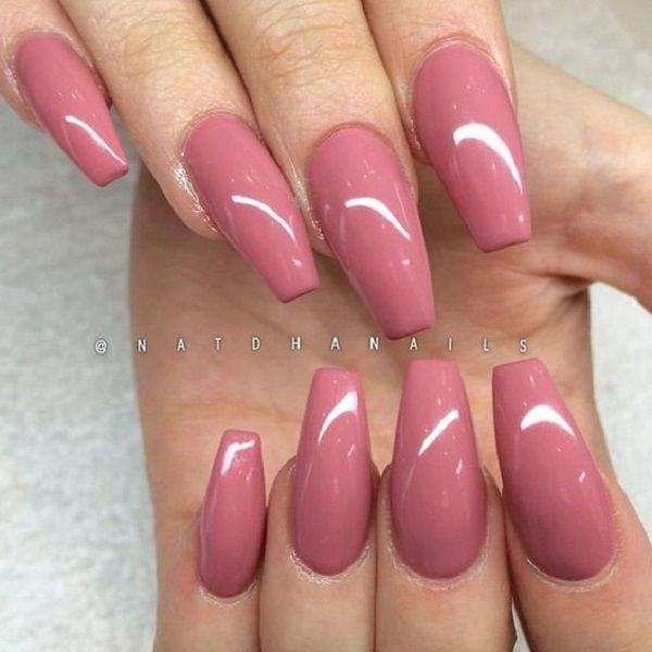 [ad_1]  Pinky pink Glossy Coffin Nails. Simplicity is beauty, they said. This pinky pink glossy coffin nails is the best example of this saying. Source by nenuno [ad_2]  …