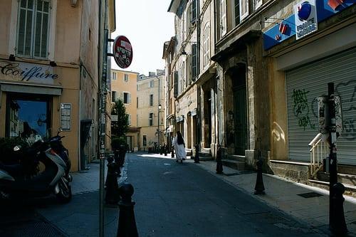 Posté par wck  sur 2005-12-31 17:00:30      Tagged:  , aix-en-provence , provence , france , summer , graffiti   …