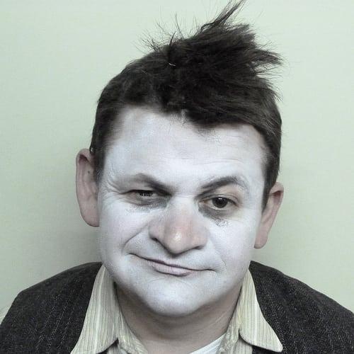 Posté par cecileK  sur 2013-12-23 21:54:28      Tagged:  , maquillage , coiffure , perruque , theatre   …