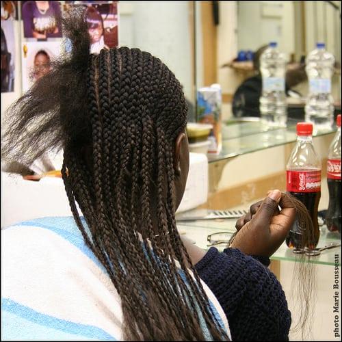 Posté par marie bousseau  sur 2010-05-11 10:15:47      Tagged:  , coiffure , salon , tresses , mèches , afro   …