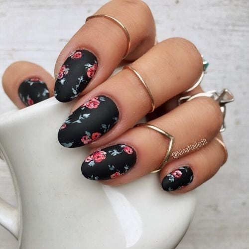 Romantic Tragic Roses nail art Source by josephine38   …