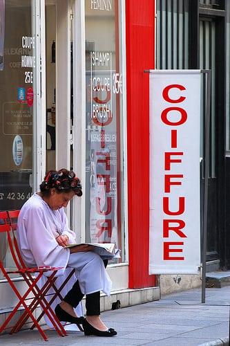 Rue Mandar, Paris  Posté par L'Oeil Curieux  sur 2014-03-29 17:48:01      Tagged:  , paris , decisivemoment , instantsvolés , Coiffure , Hairdressing   …