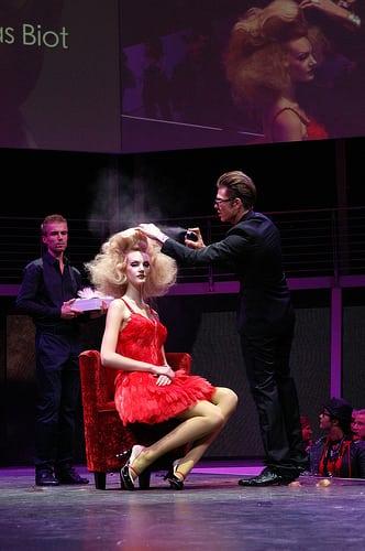 Posté par Germàn Guzmàn-Nogales  sur 2010-11-29 11:36:41      Tagged:  , Mondial de la coiffure  [ad_1] [ad_2]…