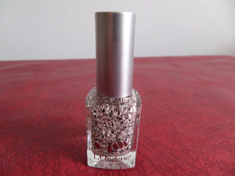 L'Onglerie – Vernis Top Dot Pink (paillettes roses et noires) 11 ml Neuf  Price : 4.00  Ends on :   Voir sur eBay   …