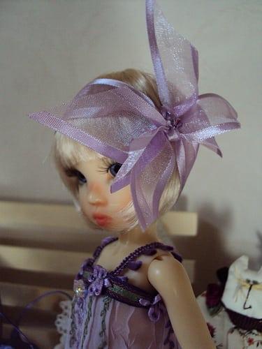 nouvelle tenue, nouvelle coiffure  Posté par Elora-Patricia  sur 2012-07-22 07:48:12      Tagged:  , doll , kaye wiggs , tinies , tillie   …
