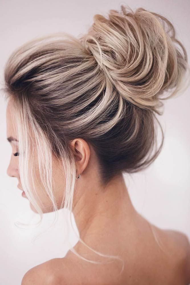 There are many medium hairstyles out there, and we have only the freshest ideas. Our photo gallery will move you forward in the hair salon direction. #mediumlengthhairstyles#hairstyles