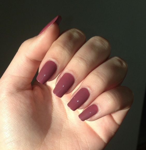Squoval square shape long nail violet pink bordeau kiko nail polish natural nails nail art nude. Are you looking for Short square acrylic nail colors design for this autumn? See our collection full of cute Short square acrylic nail colors…