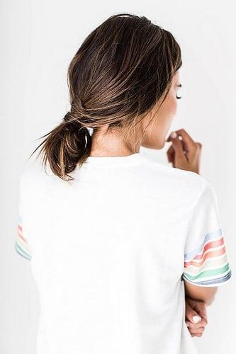 Idée Coiffure :    Description   une coiffure simple et rapide à effet coiffé décoiffé avec un chignon bas et fluide      madame.tn/beaute/coiffure/idee-coiffure-une-coiffure-simp…  Posté par madame_shopping  sur 2017-10-30 22:23:09      Tagged:    …
