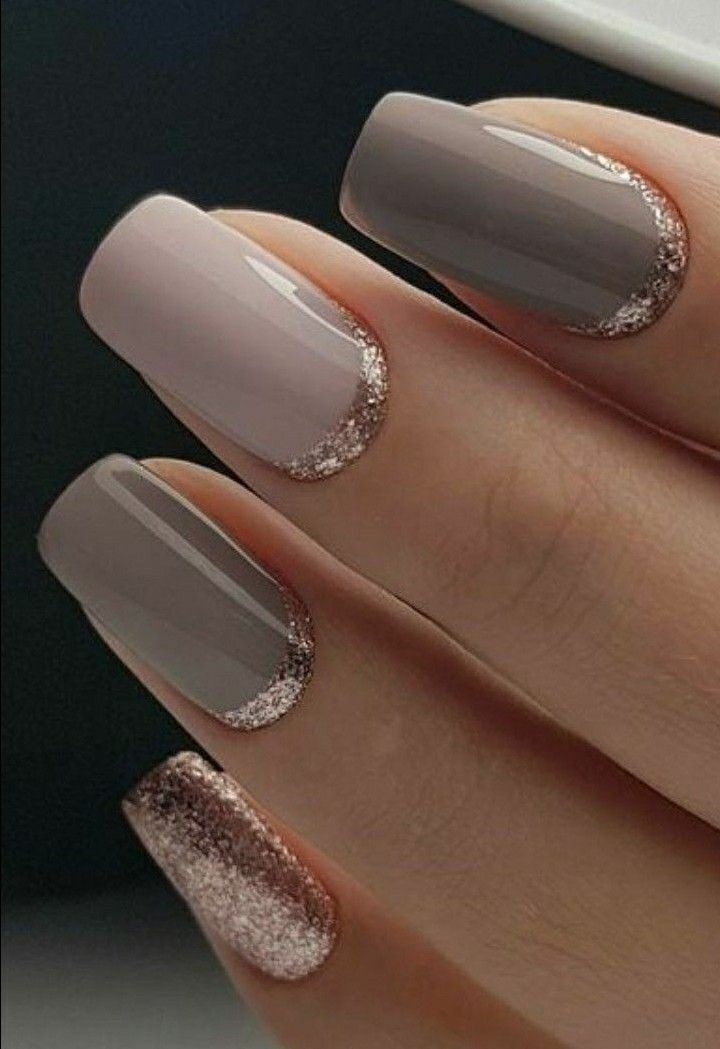 Classy but unique wedding manicure rose gold gel nail art design for the bride or bridesmaids