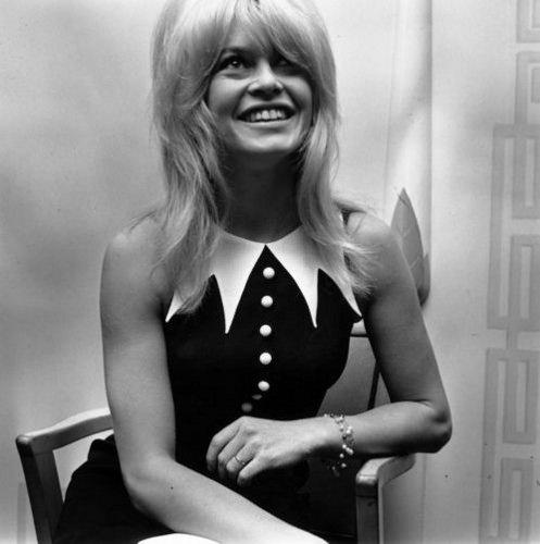 Inspiration Coiffure  :    Description   Brigitte Bardot en 1963      madame.tn/beaute/coiffure/inspiration-coiffure-brigitte-b…  Posté par madame_shopping  sur 2018-02-17 10:14:16      Tagged:    …
