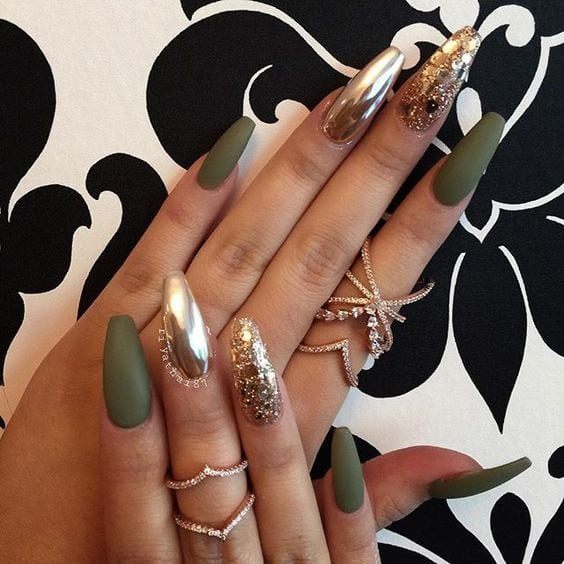 Coffin acrylic nails are very trendy despite their name. In fact, the coffin-shaped nails are popular due to the number of reasons. Besides being worn by many celebrities, they are also easy to work with. Source by jessicablaauw   …