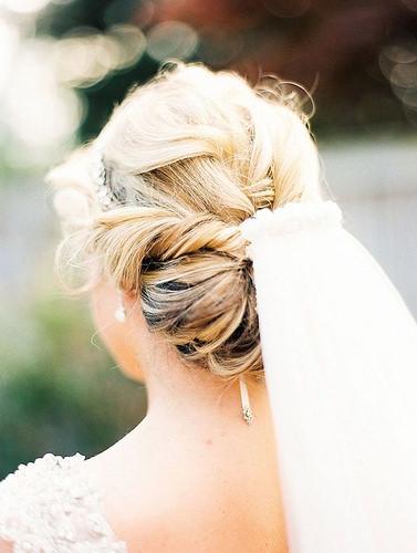 Coiffure De Mariage   Description   featured photo: Krista A. Jones      flashmode.be/coiffure-de-mariage-featured-photo-krista-a-…  Posté par flashmode.be  sur 2018-08-14 05:11:54      Tagged:    …