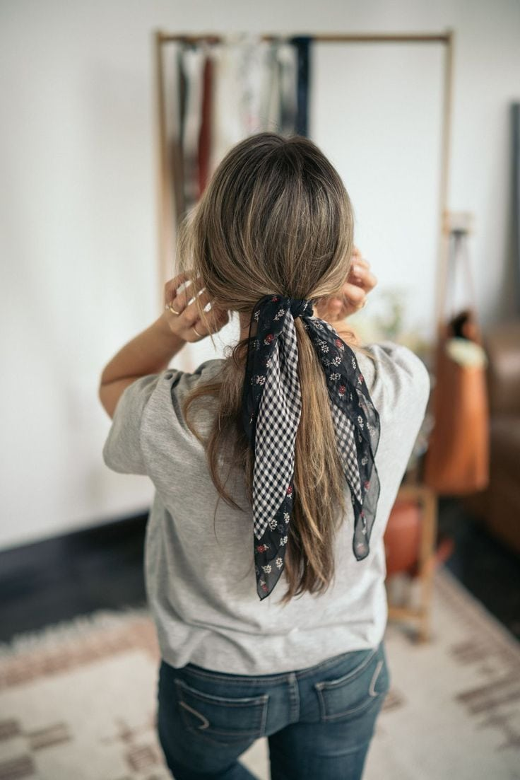 5 Ways to Tie a Scarf for Long Hair