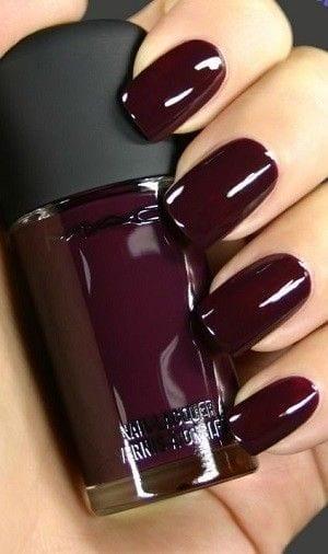 Dark Polish – Winter Beauty Trends To Try – Photos Source by AryanaCarlijn   …