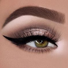 Gorgeous Makeup Looks for Girls with Green Eyes Source by mayrakop   …