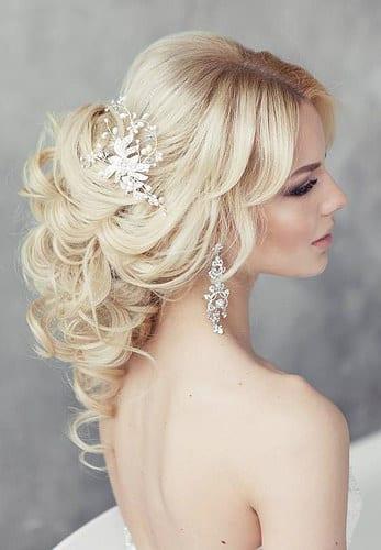 Coiffure De Mariage   Description   Wedding Hairstyle: Elstile      flashmode.be/coiffure-de-mariage-wedding-hairstyle-elstil…  Posté par flashmode.be  sur 2018-08-10 06:35:00      Tagged:    …