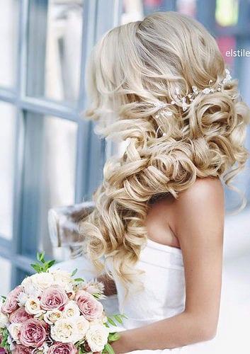 Coiffure De Mariage   Description   Wedding Hairstyle: Elstile      flashmode.be/coiffure-de-mariage-wedding-hairstyle-elstil…  Posté par flashmode.be  sur 2018-08-10 12:46:54      Tagged:    …