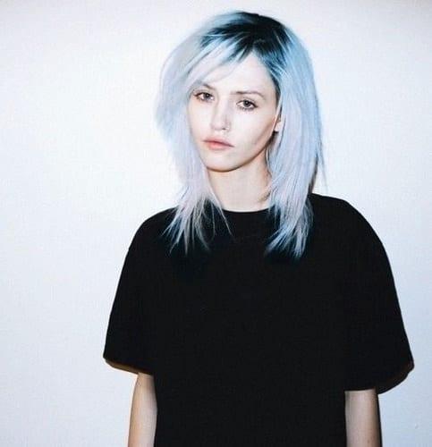 Idée Couleur & Coiffure Femme 2017/ 2018 :   Description   Pale      flashmode.be/idee-couleur-coiffure-femme-2017-2018-pale-11/  Posté par flashmode.be  sur 2018-06-07 09:24:54      Tagged:    …