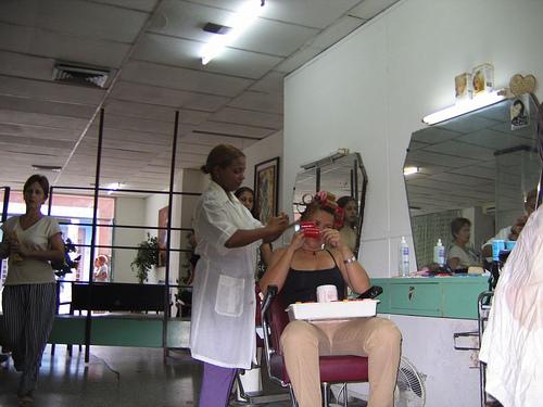 Posté par maritimo1960  sur 2012-04-23 17:34:03      Tagged:  , Friseur , hairdresser , coiffure , kapsalon , fryzjer , peluqueria   …
