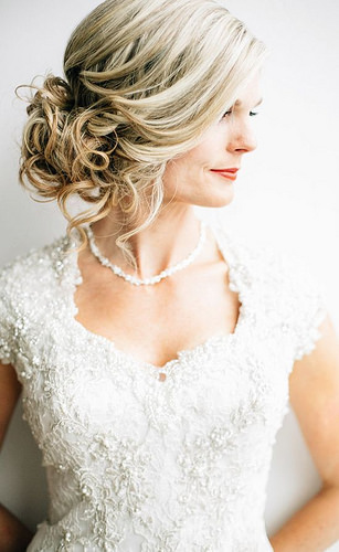 Coiffure De Mariage   Description   Featured Photographer: Lindsey Shaun Photography, Featured Hairstyle: Hair and Makeup by Steph      flashmode.be/coiffure-de-mariage-featured-photographer-li… 